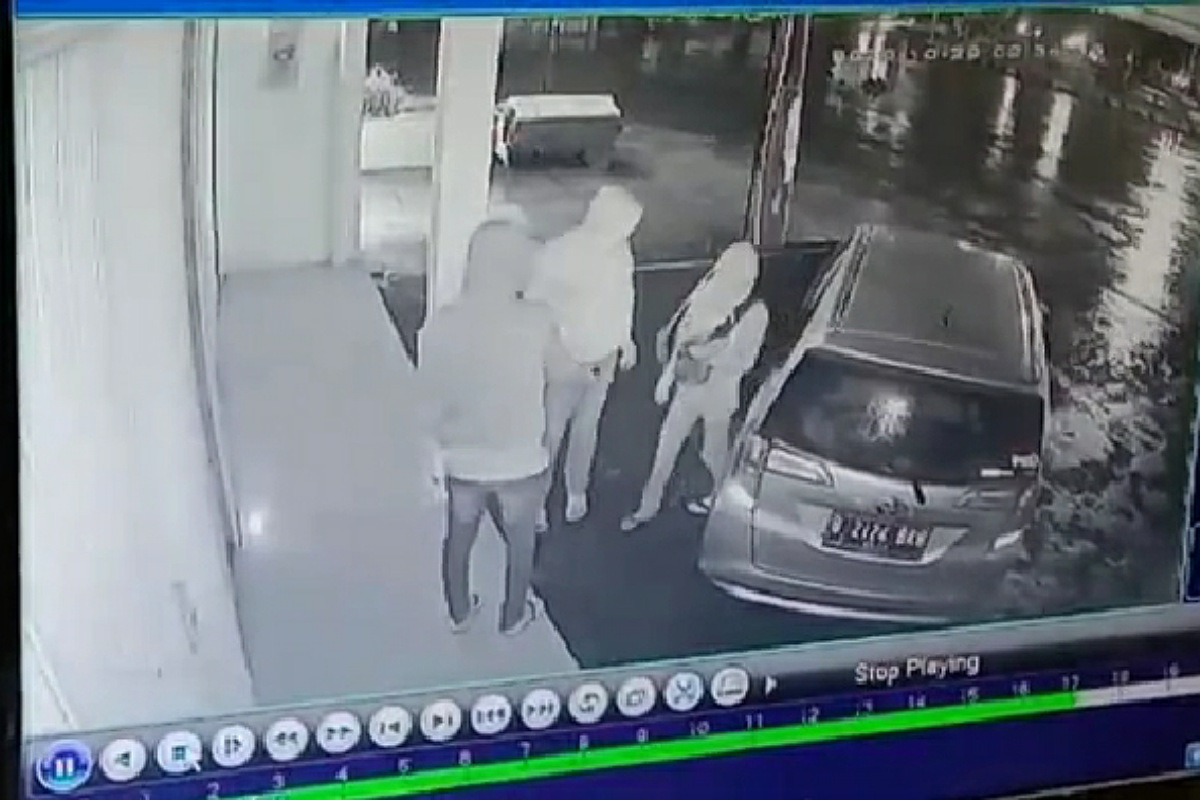 Toko, Kawanan Pencuri Gasak Dua Toko di Pangandaran, Terekam CCTV, SEPUTAR PANGANDARAN