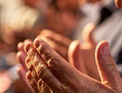 Doa Salat Witir Lengkap Beserta Terjemahannya